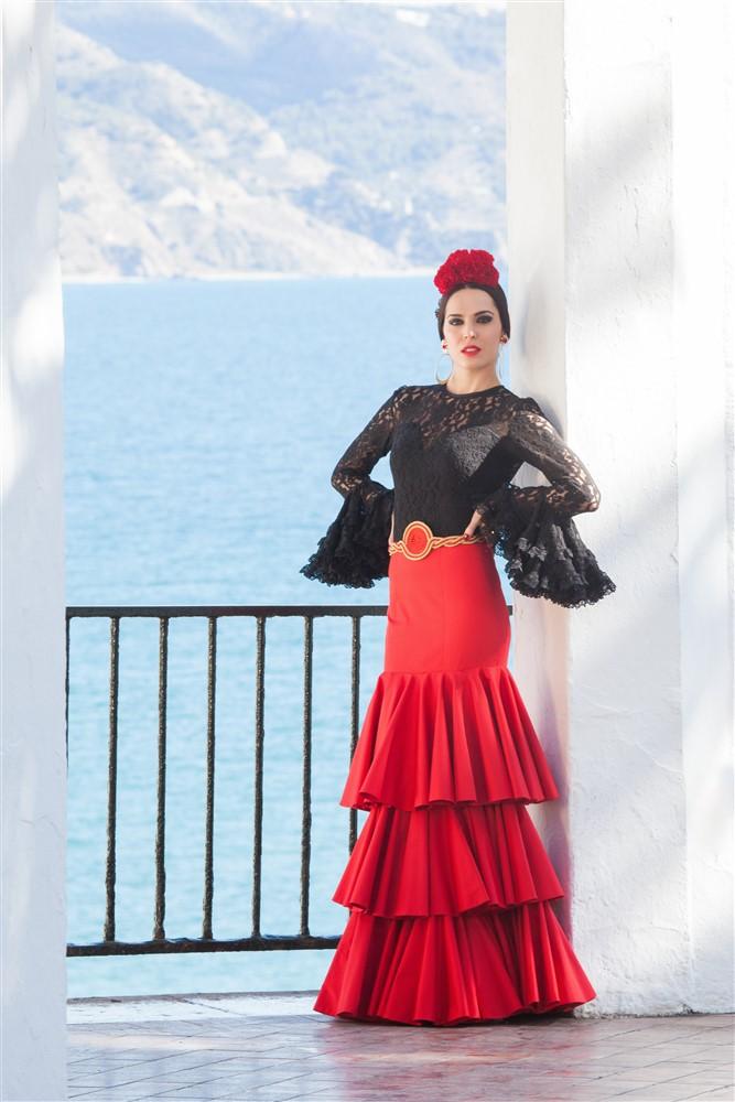 blusa y falda flamenca