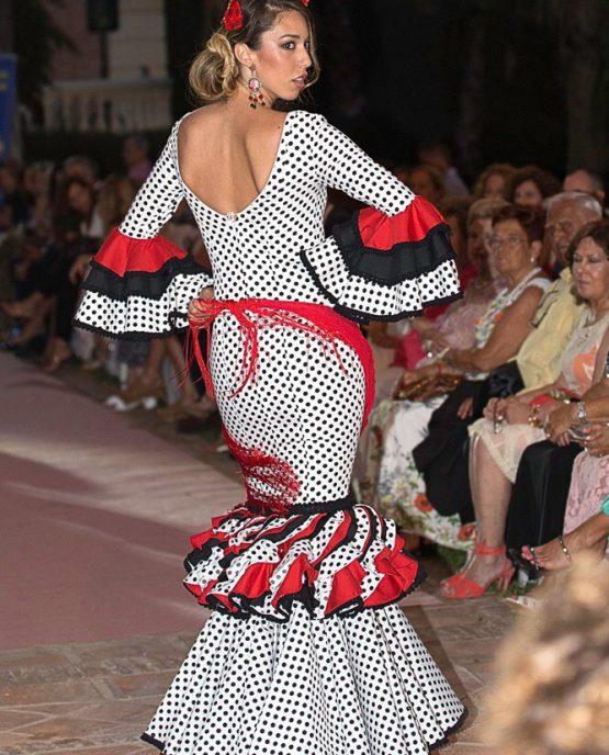 traje flamenca lunares negros