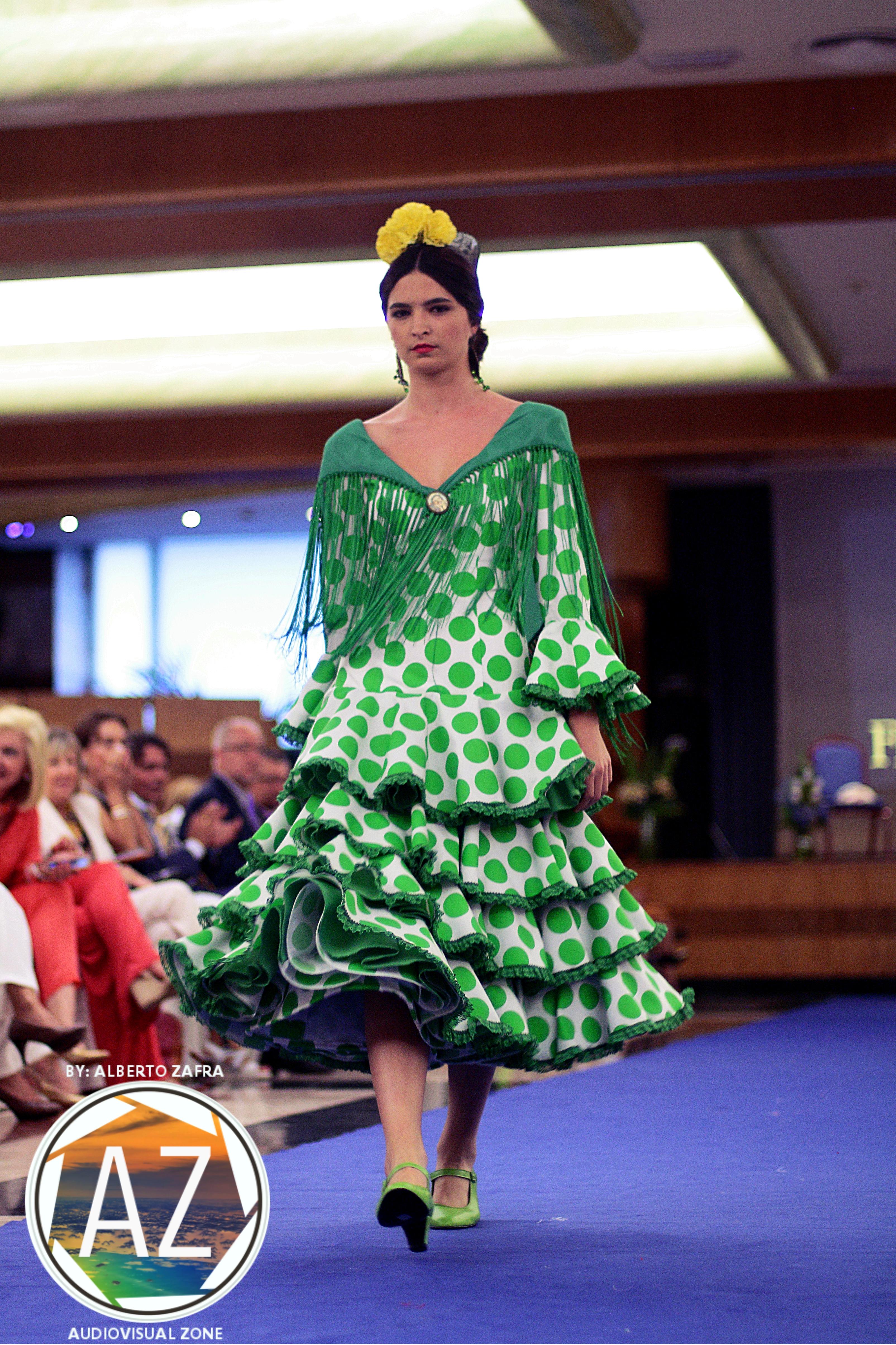Traje de flamenca corto